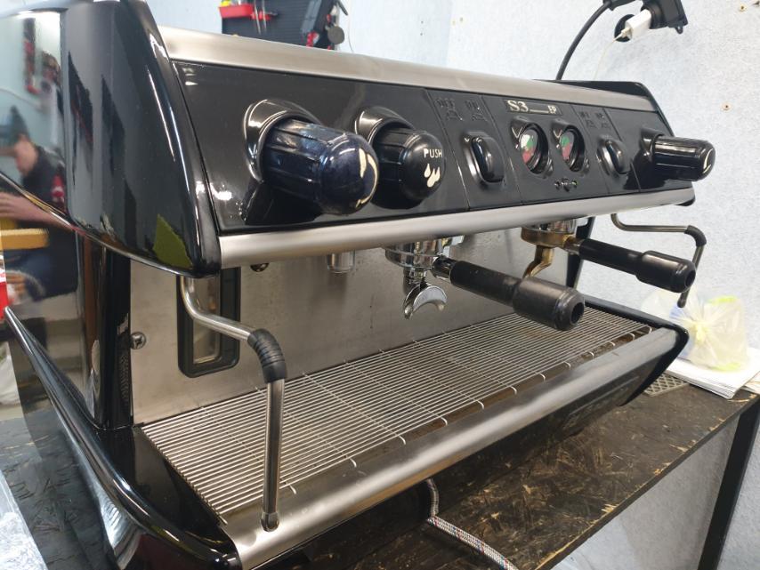 Профессиональная кофеварка Спазиале С3 2гр