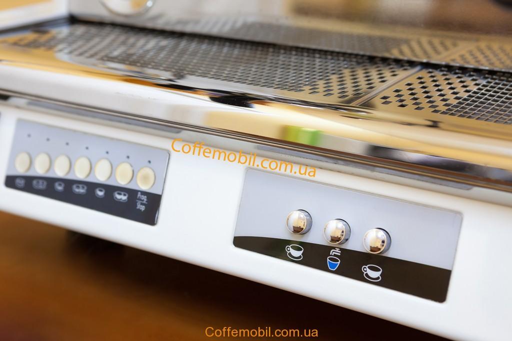 Профессиональная кофемашина Вега Вела Винтаж от Кофемобиль