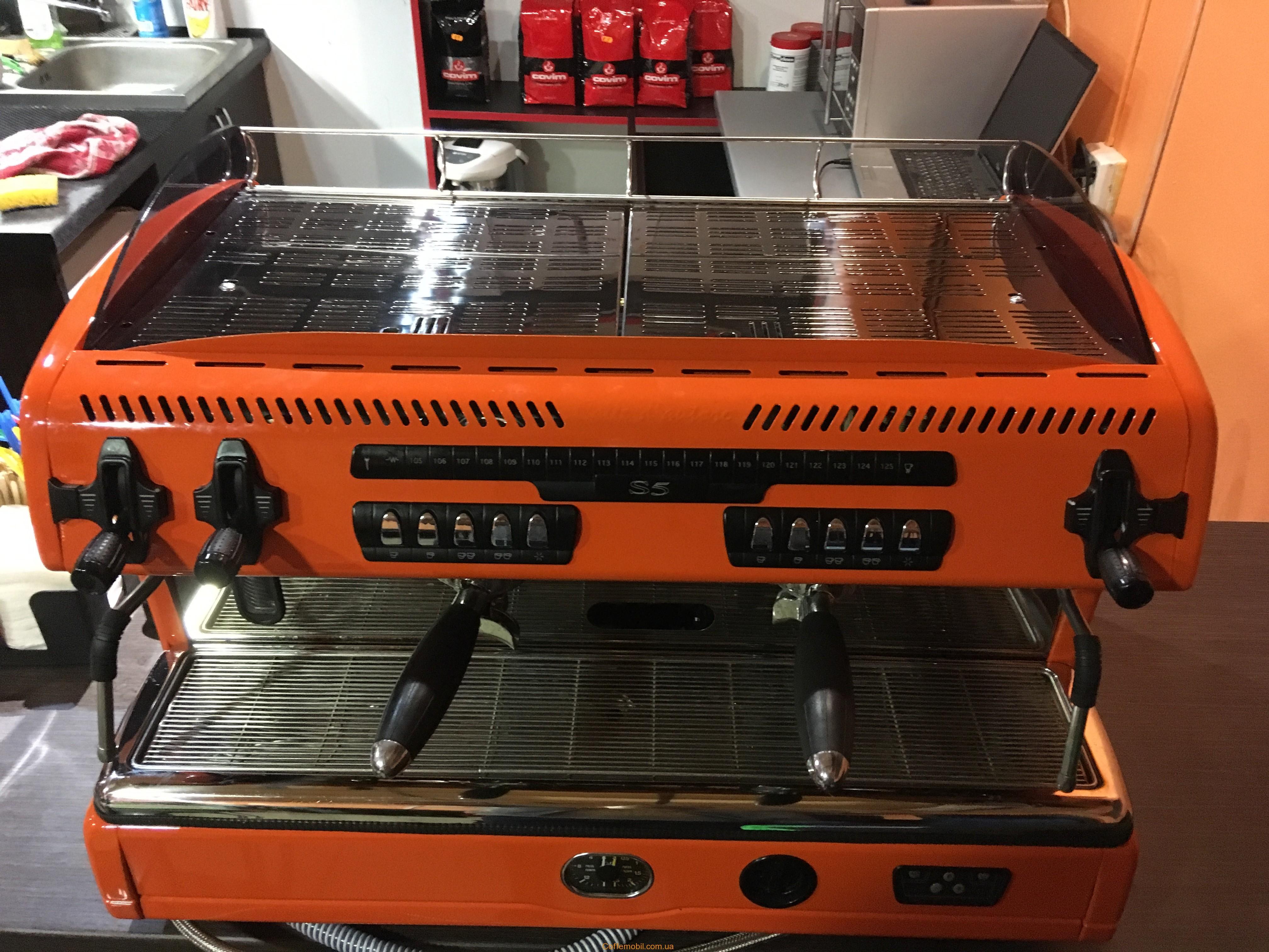 Профессиональная кофеварка Спазиале с5 на 2 поста