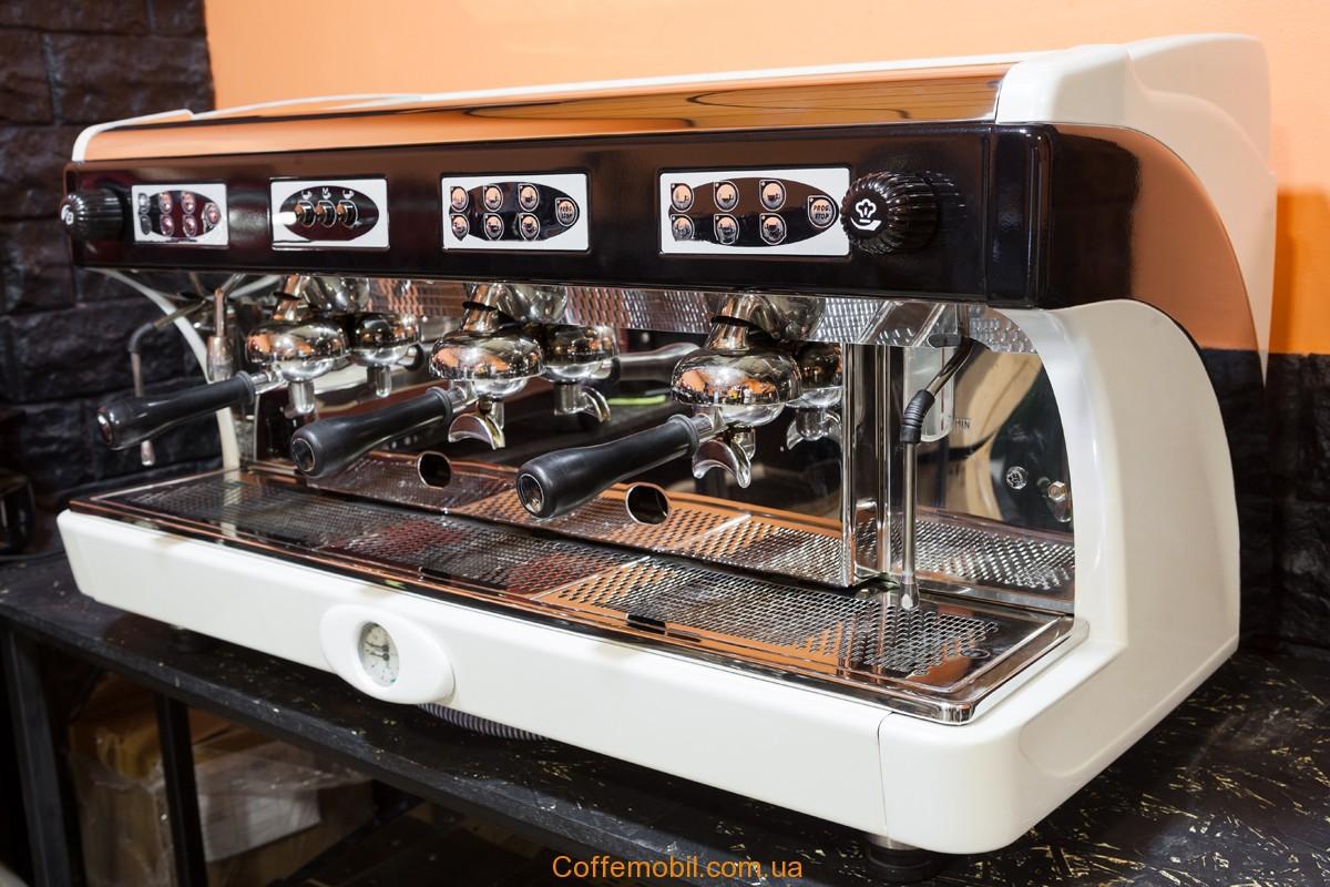 Профессионильная кофемашина бу Astoria Calypso 3gr